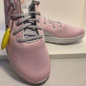 Women's quest shoes